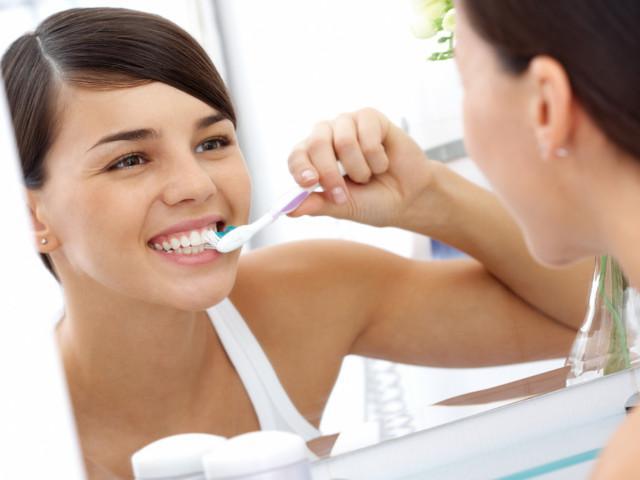 come lavare i denti