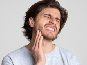 Mal di testa e mal di denti:ecco perché sono collegati
