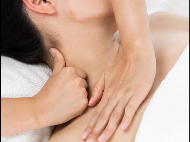 Il massaggio cervicale: come le mani possono curareil tuo dolore cervicale
